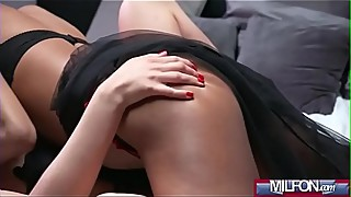 Black Brazilian Face Sitting Lez(Luna Corazon &amp_ Therese Bizarre) 01 clip-03